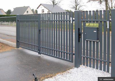 Slika prikazuje ograjni sistem iz kolekcije Classic, promocija