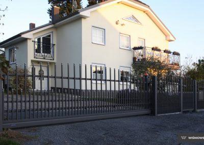 Slika prikazuje drsna dvoriščna vrata, kolekcija Premium, promocija