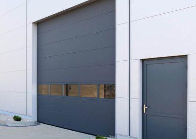 MakroTherm industrijska sekcijska garažna vrata - 1
